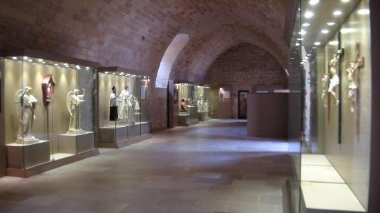 #salentoheritage #salentowebtv Un viaggio tra i musei del #salento  Guarda i video www.salentoweb.tv/video/8129/lecce-museo-cartapesta-antica-arte-sale www.salentoweb.tv/video/1892/guida-museo-della-cartapesta-lecce