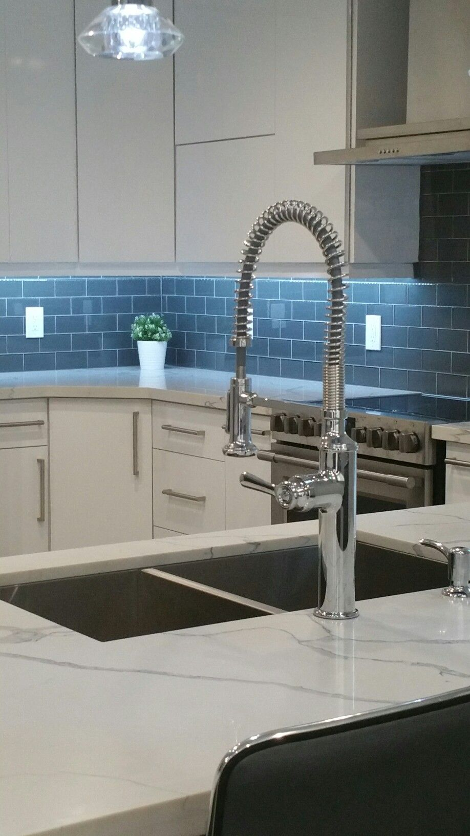 Exelent White Kitchen Faucets Image - Faucet Collections ...