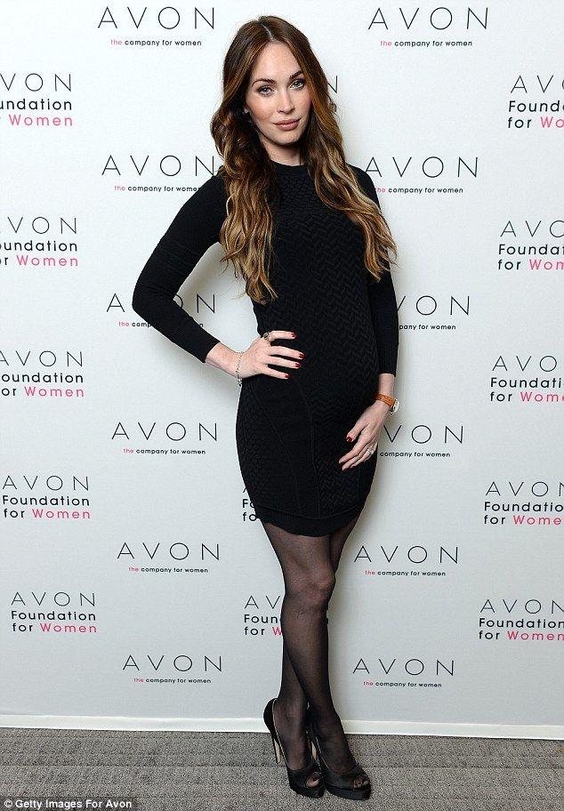 Megan Fox finalmente mostra pancione e contro violenze domestiche »  GOSSIPpando  fc4c909b968
