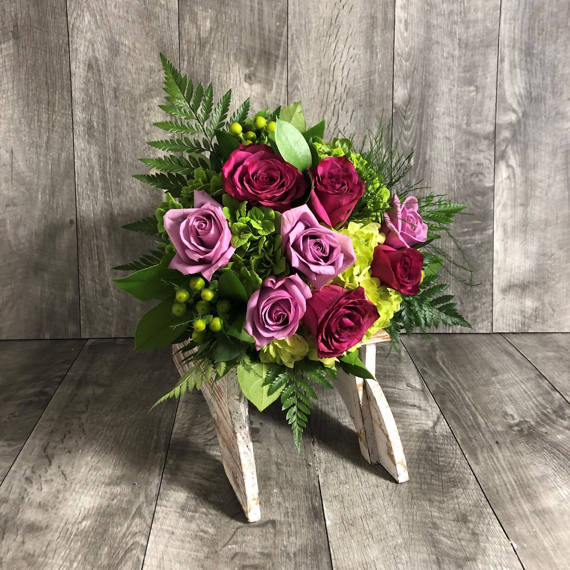 Green hydrangea coolwater roses and blueberry roses