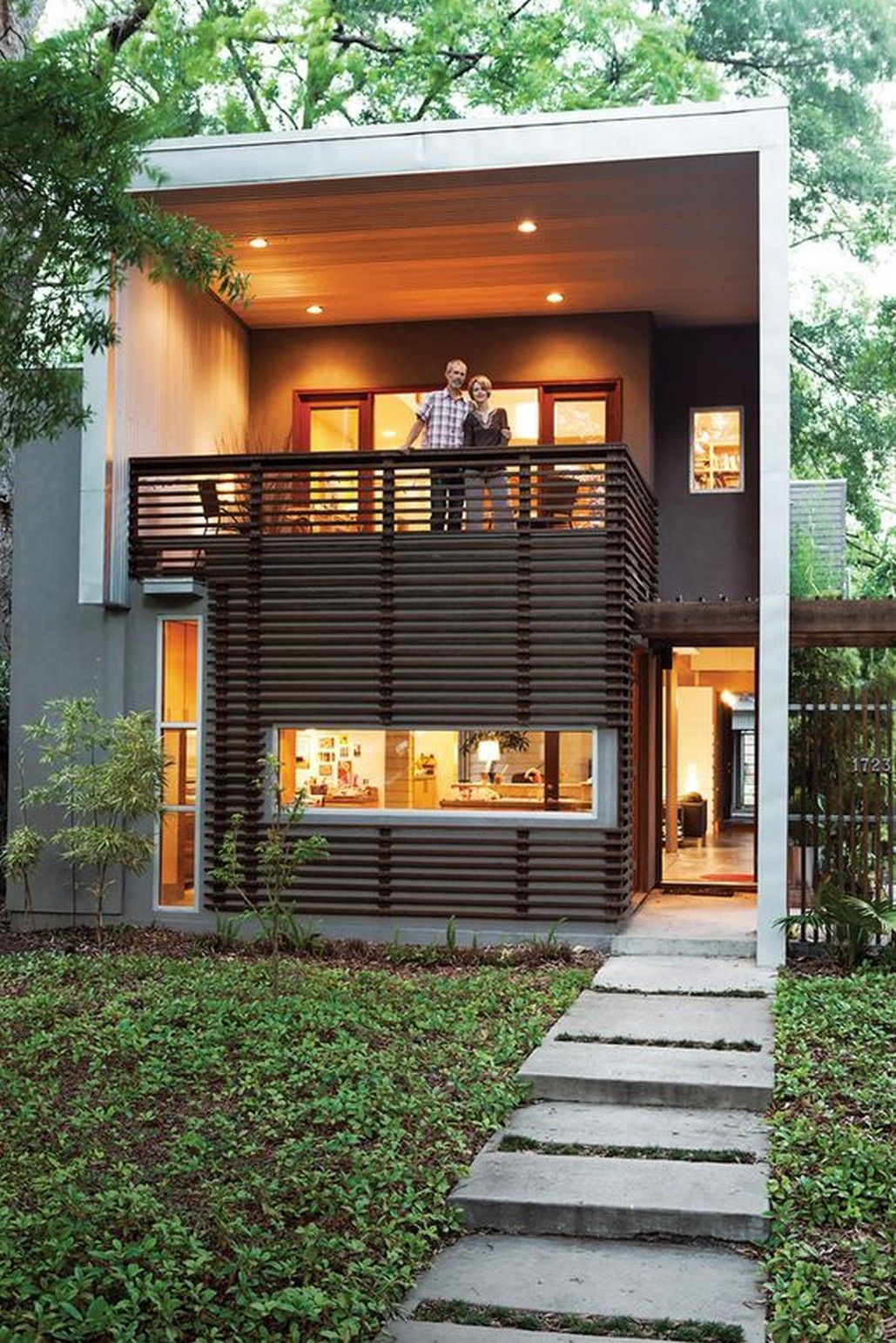Modern house with awesome front porch railing ideas
