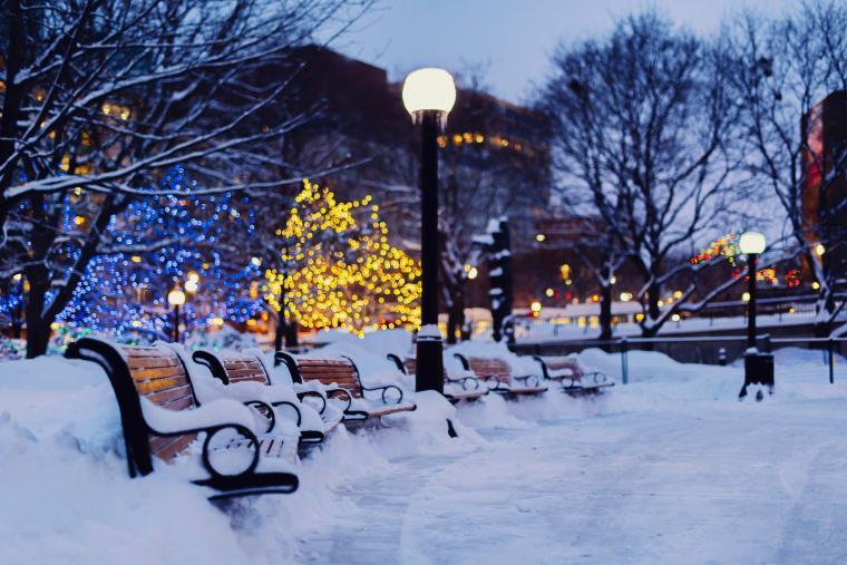 47 Snow In The City Wallpaper On Wallpapersafari Winter City City Wallpaper Free Hd Wallpapers