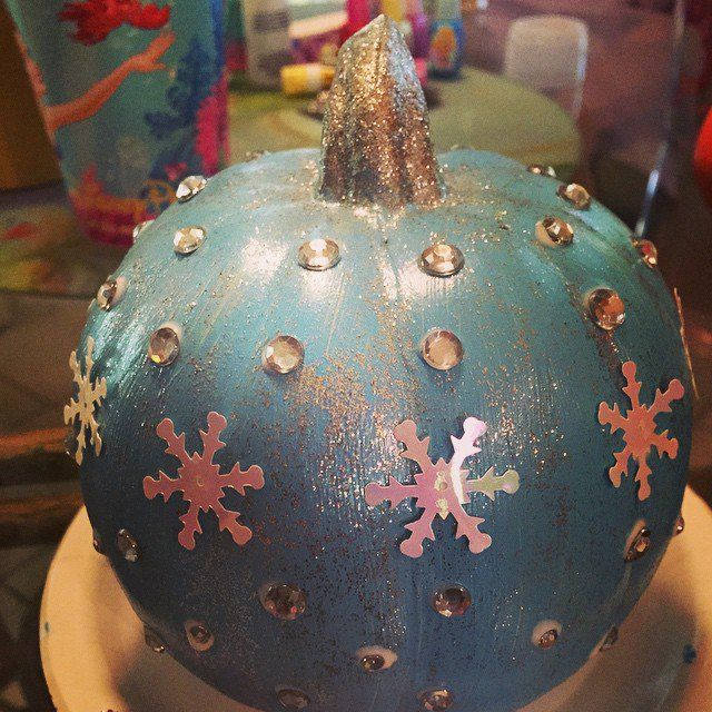 Sparkly Pumpkin Pinterest - frozen halloween decorations