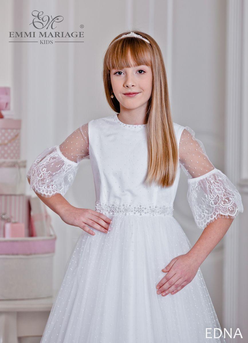 35e1d35ebca29e Urokliwa i nietypowa sukienka wykonana z włoskiego, miękkiego tiulu w  kropeczki. #sukniakomunijna #