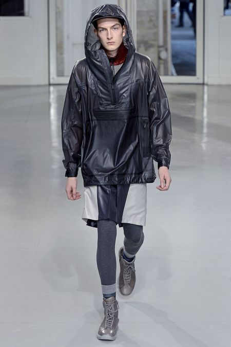 Issey Miyake Fall 2013 Menswear Collection Slideshow on Style.com