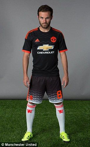 manchester united unveil new black third kit with 90s throwback shorts manchester united manchester united third kit the unit manchester united third kit