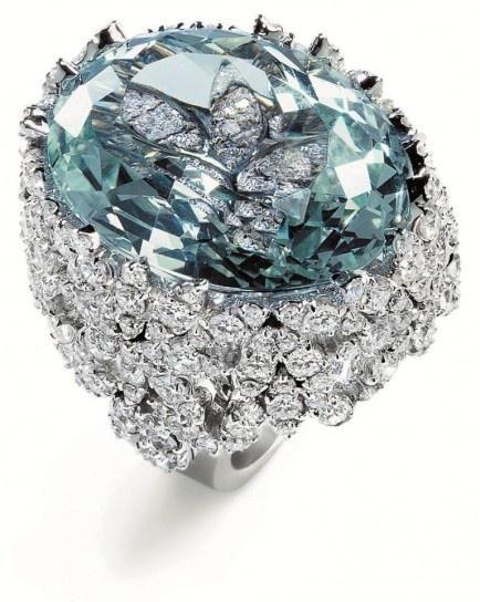 Pasquale Bruni. Gorgeous! #bling #big #rings #blue #diamonds #closeups LOVE! LOVE! LOVE! ~AJ~