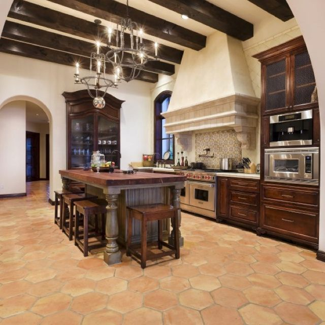 Rustic Spanish Style Sea Island House: Spanish Style Kitchen...add My Colors...got Me Drooling