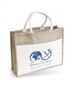 Lieber Stofftaschen statt Plastiksackerl - http://www.vickyliebtdich.at/lieber-stofftaschen-statt-plastiksackerl/