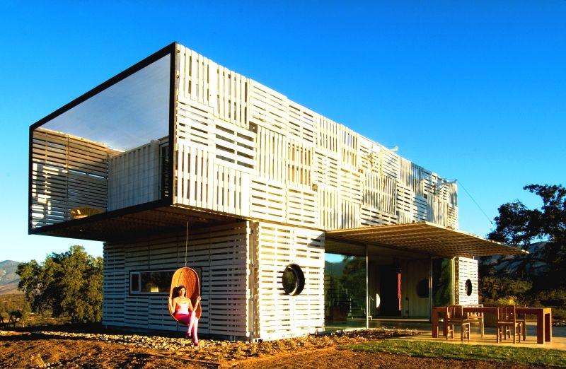 Günstig Bauen Mit Architekt reduce reuse recycle wie container und paletten zur villa werden