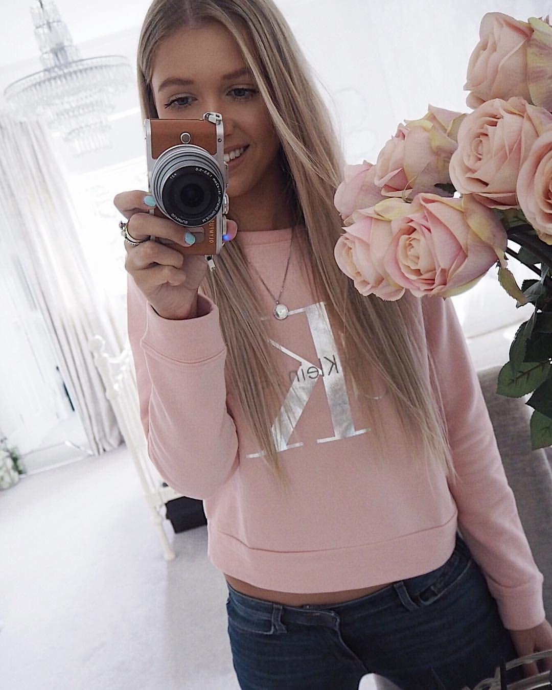 5db549edb 🌸🌸🌸 Instagram @emilyjanehardy pink Calvin Klein sweater   Things ...