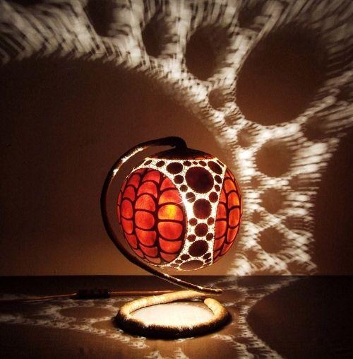 Exotische Designer Tischlampe Mit Fraktalen Mustern Von Calabarte