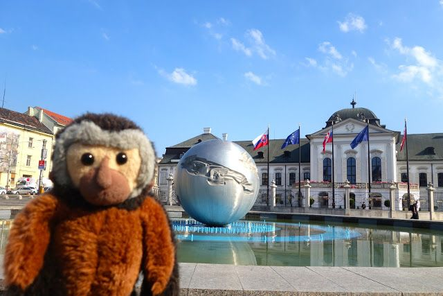 Apen matkat: Bratislava osa 9, Grassalkovichin palatsi ja puistotaidetta