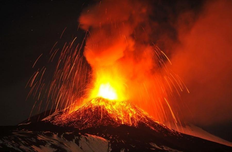 Mount Etna Pixdaus Nature Pinterest Volcano - Incredible neon blue lava flames erupt volcano