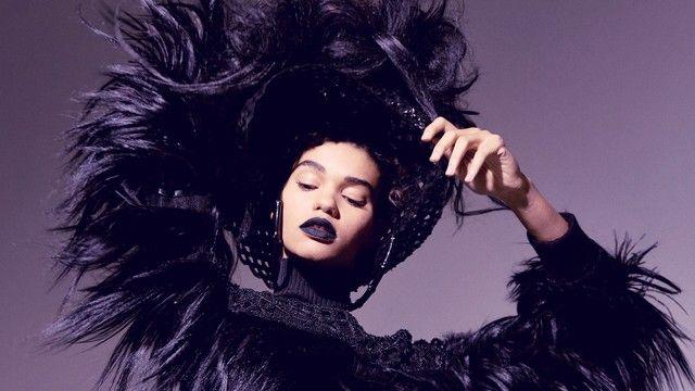 Black Widow: a beleza da viúva-negra no Beauty Flash de Max Weber - Vogue | Beauty flash