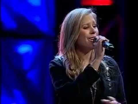 "Lucia Parker performing, ""Stay Amazed,"" by Gateway Worship"