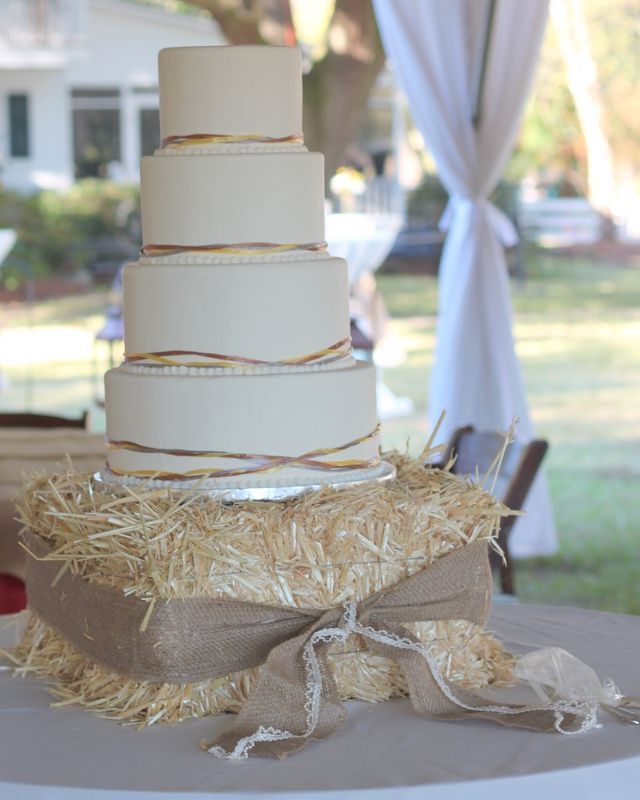 Simple But Perfect For This Country Farm Setting The Top 3 Tiers