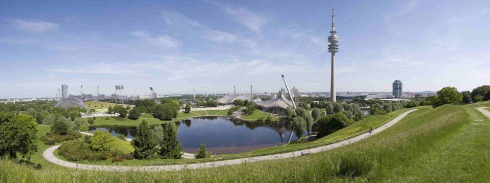 Sommerpanorama - Blick vom Olympiaberg, Foto Olympiapark München