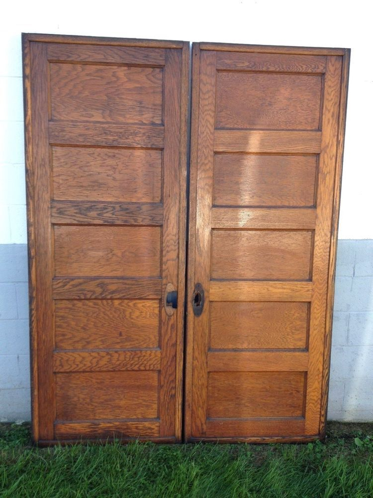 2 Antique Quarter Sawn Oak 30 X 80 5 Panel Pocket Doors Barn Roller Trolley How To Antique Wood Wood Doors New Homes