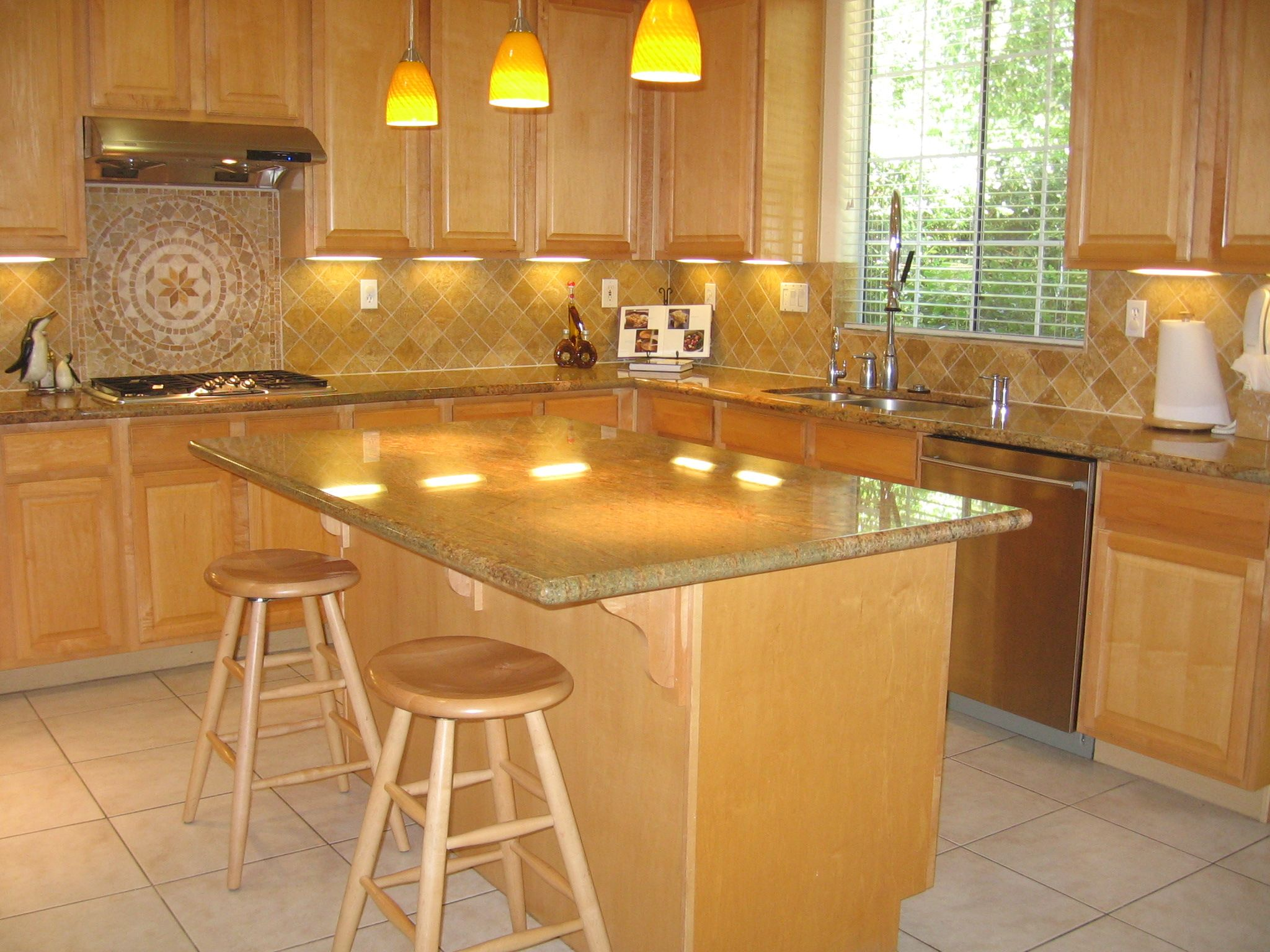 Maple Kitchen Cabinets With Marble Countertops Best Backsplashes For Granite Countertops Island