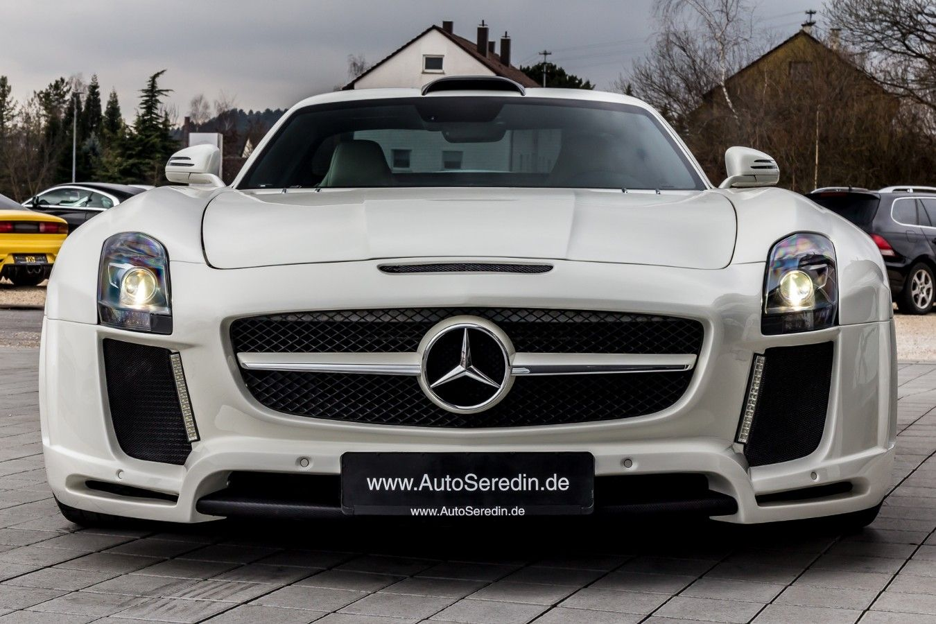 Mercedes Benz Sls Amg Coupe Ceramic B O Fab One Of Five Export Price 232 050 Stosk B262 Fuel Consumption In Town 13 2 L 10 Mit Bildern Mercedes Benz