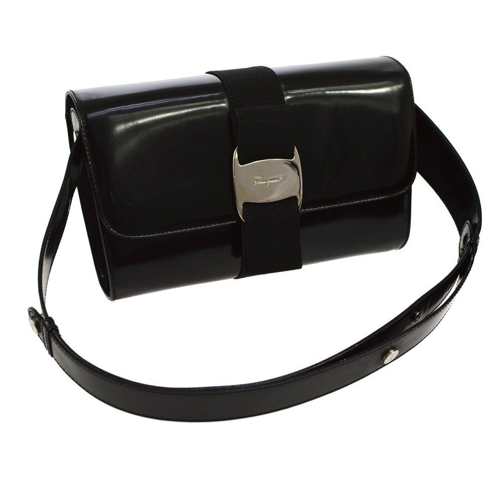 Auth Salvatore Ferragamo Vara Bow Shoulder Bag Black Patent Leather VTG  V11536  ac513c9a6659b