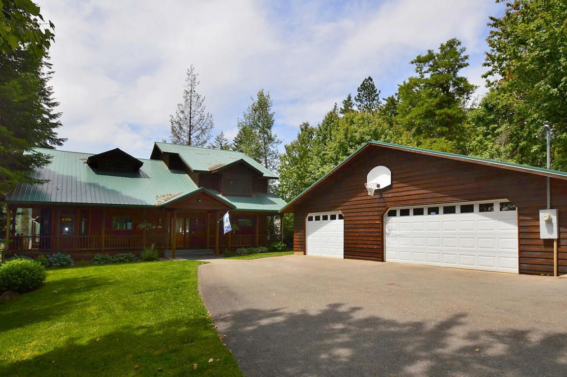 Spectacular 4000 Sq. Ft. Waterfront Home in Spirit Lake