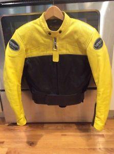 699 vanson mujer aligeramiento amarilla y negra cuero moto chaqueta sz 8 -  Categoria  Avisos Clasificados Gratis Estado del Producto  PreownedGreat ... bce63439c8eb9
