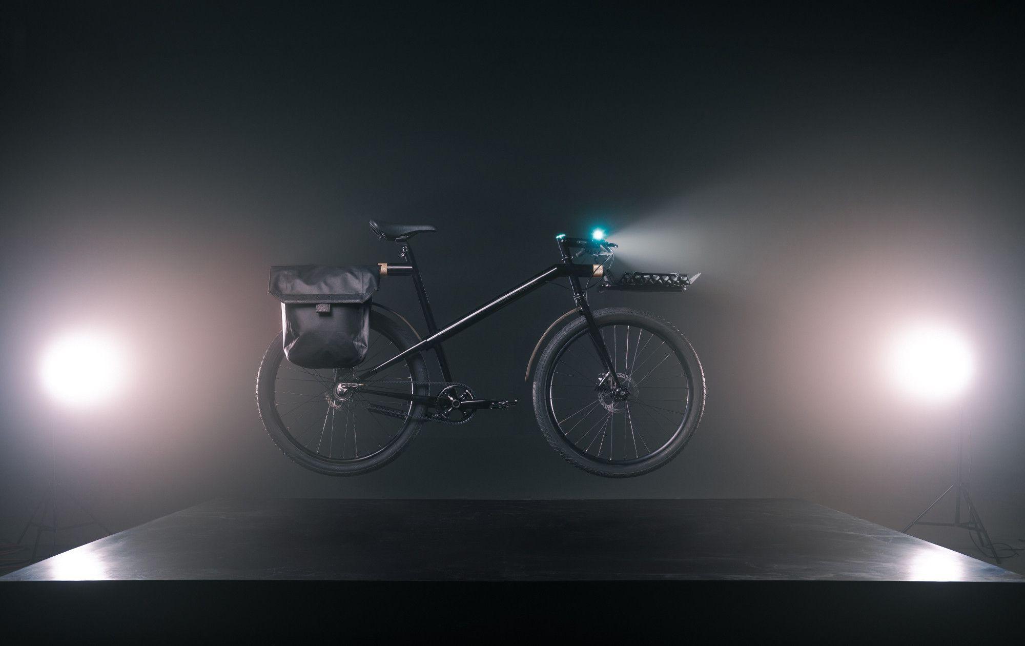 Chicago Bike Design Team Unveils Its Blackline For National