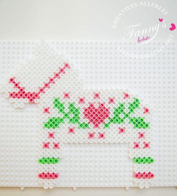 Fanny♥s liebste: Bügelperlen ♥ Weihnachten an der Wand