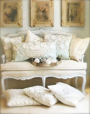 french lace cushions
