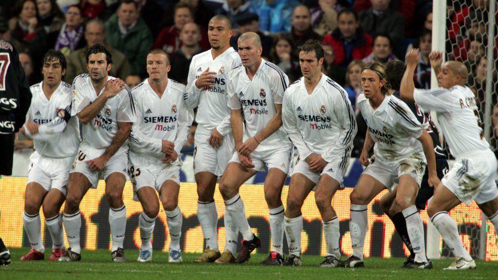 Zinedine Zidane Zidane Nuevo Entrenador Del Real Madrid En Imágenes Fotogalería Album Seleccion Española De Futbol Real Madrid Fútbol Fotos De Fútbol