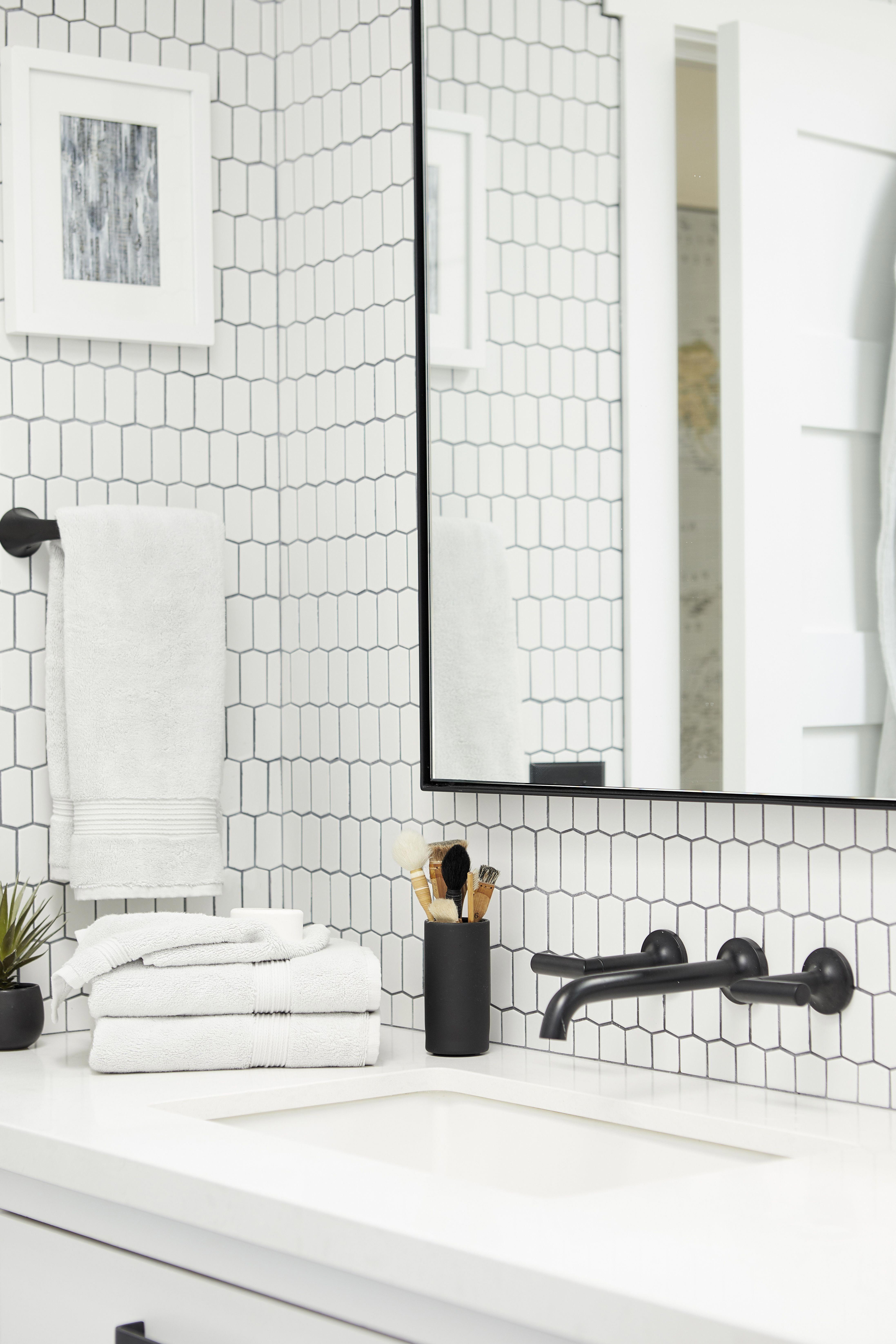 7 Amazing Black And White Bathroom Cozy Decoration Home Morden Tile Bathroom Black Bathroom Bathroom Interior Design