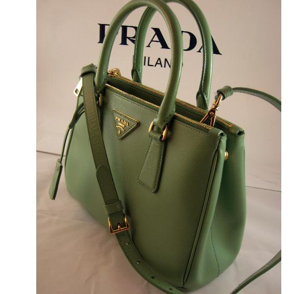 Tip Prada Handbag Green I Will Own A Bag One Day