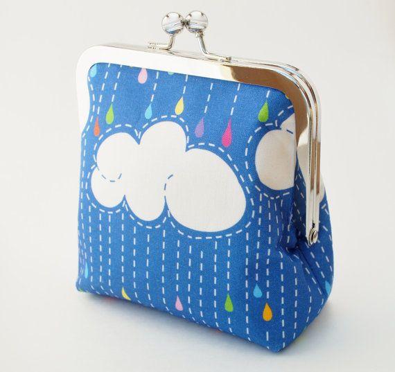 Nube portamonete arcobaleno Rain Cloud di BrooklynLoveDesigns, $35.00