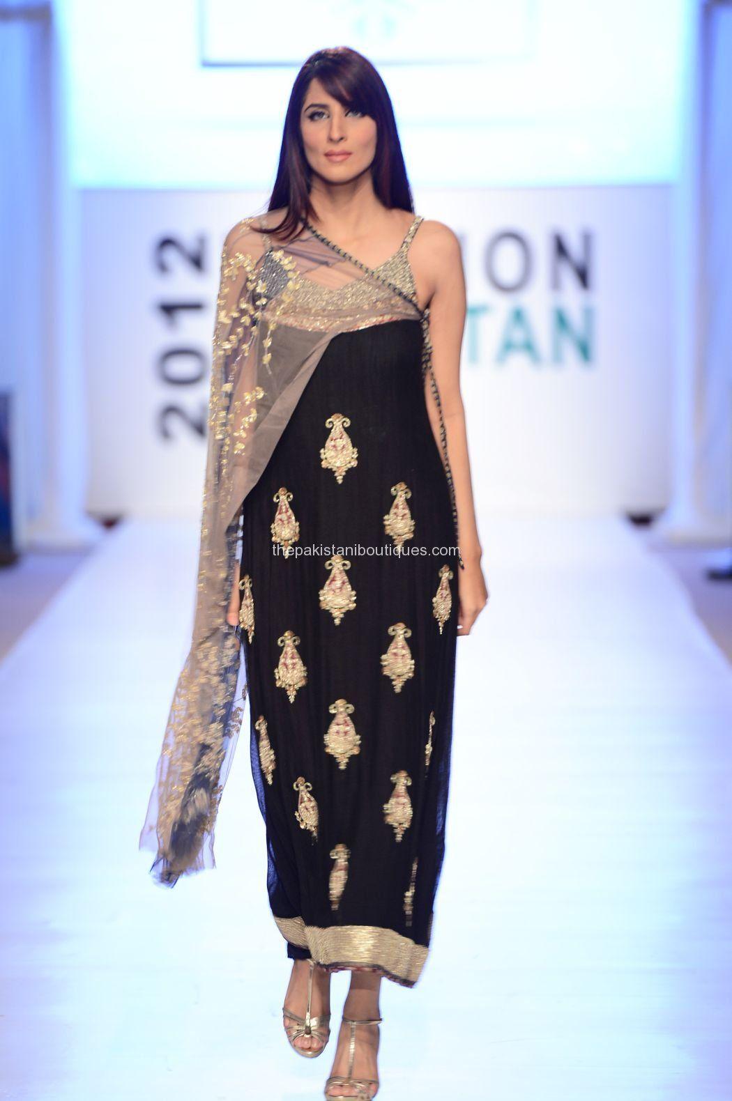 Fashion style Hassan Ayesha fashion week dres for lady