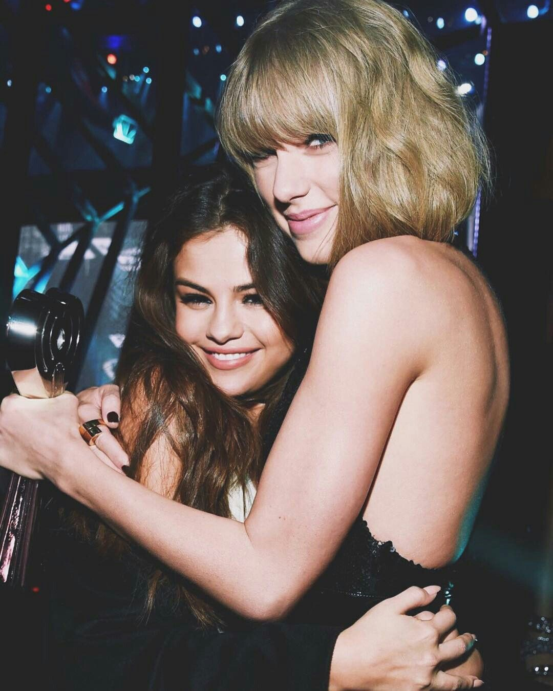 Taylor Swift and selenna gomez.. best friends   Selena and ...