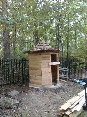 Interesting Shed/Outhouse profile