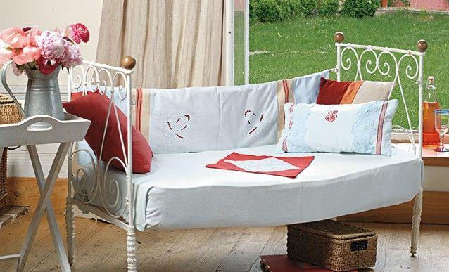 tutoriel couture : habiller un canapé réalisé avec lit ancien