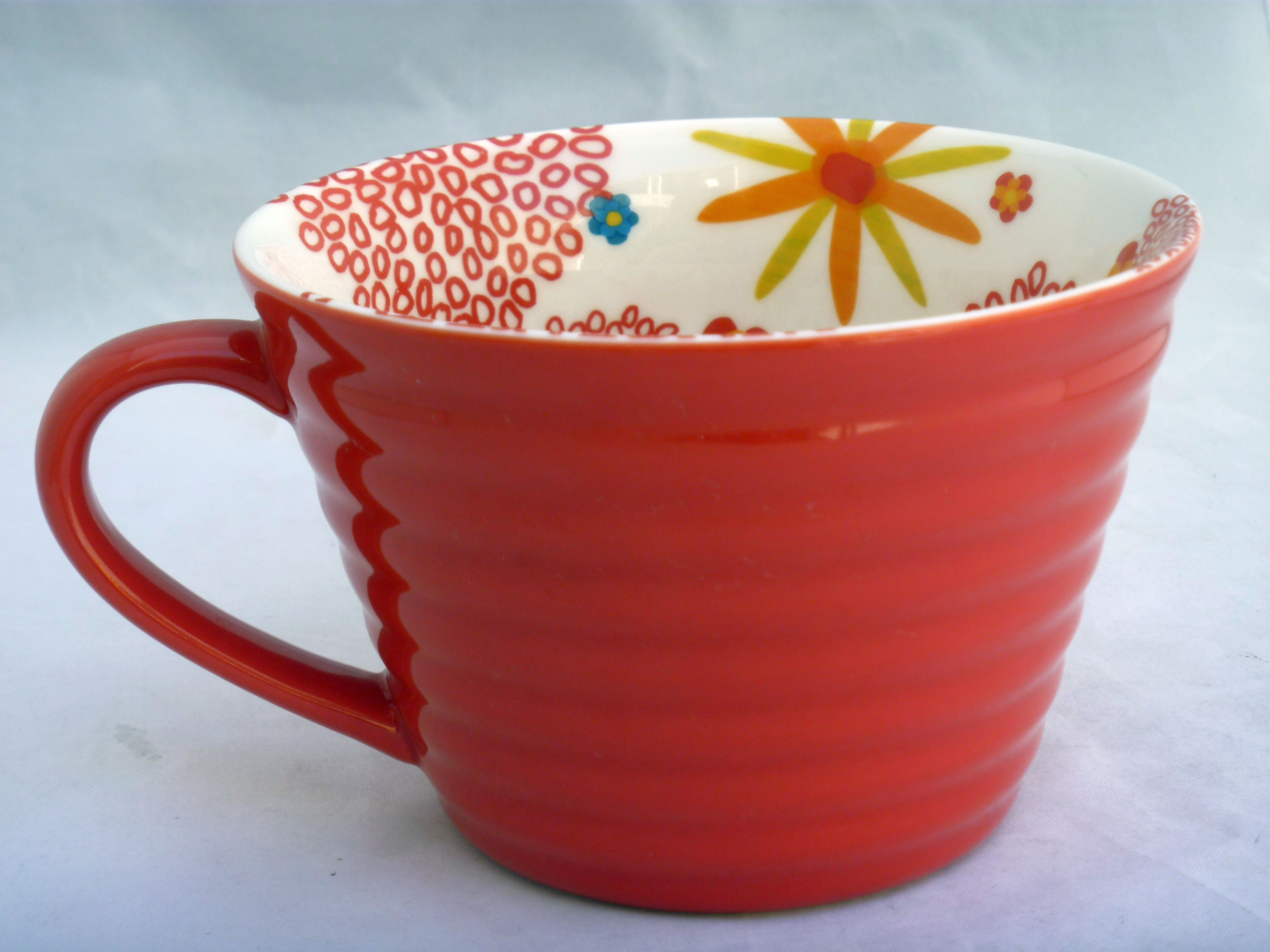 Starbucks 2007 Cappuccino Cup Ribbed Red With White Red Floral Interior 12 Oz Floral Interior Cappuccino Cups Red Floral