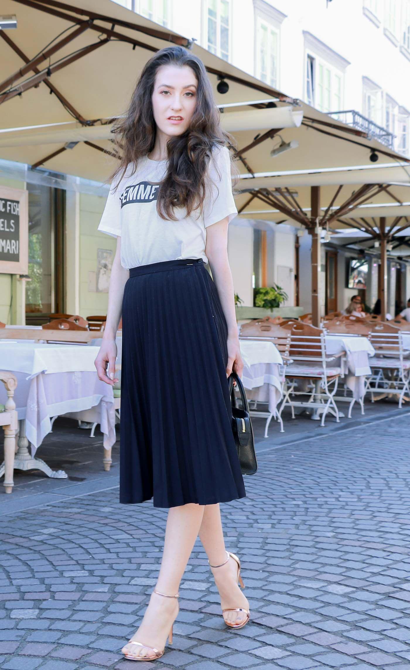 da1aed56c0 Fashion Blogger Veronika Lipar of Brunette from Wall Street wearing vintage midi  pleated skirt and slogan tee