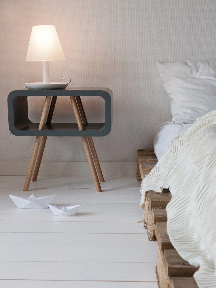 Bijzettafel Modern Design.Pallet Bed Leitmotiv Bijzettafel Pallet Bedroom Furniture