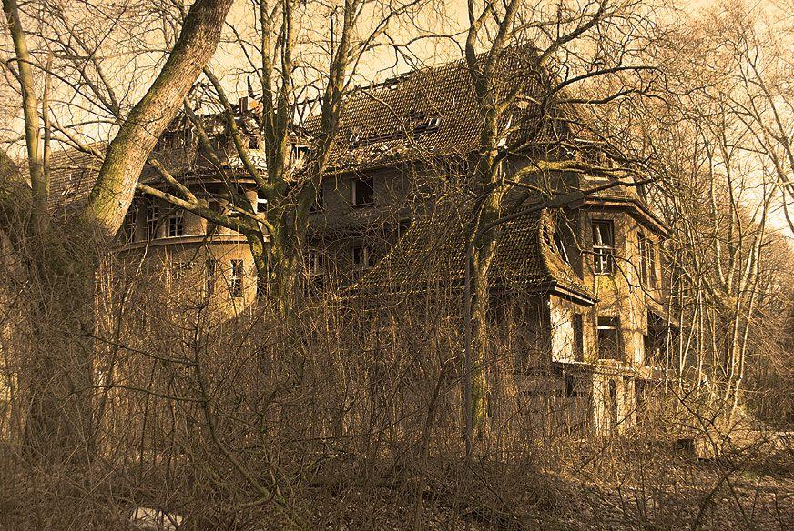 ich zeige dir verlassene orte und lost places in berlin. Black Bedroom Furniture Sets. Home Design Ideas