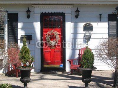 White Houseblack Shuttersred Door Black Shutters Red Door