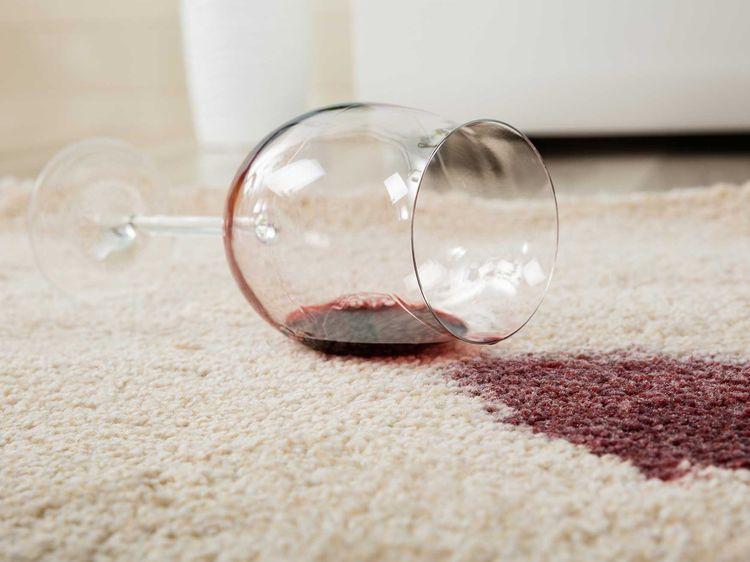 Comment enlever une tache de vin ? Pinterest