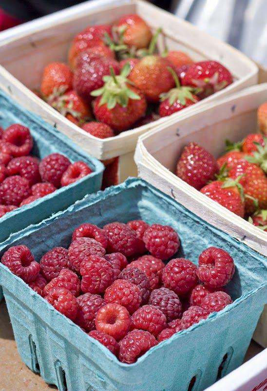 Erica S Sweet Tooth Berry Crumble Bars Fresh Fruit Recipes Berry Crumble Bars Berry Crumble