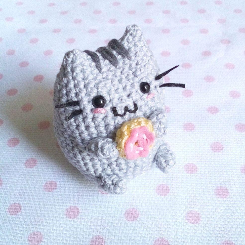 Toffoletto Donut Chubby Cat Amigurumi Pattern   Llaveros, Barbie y ...