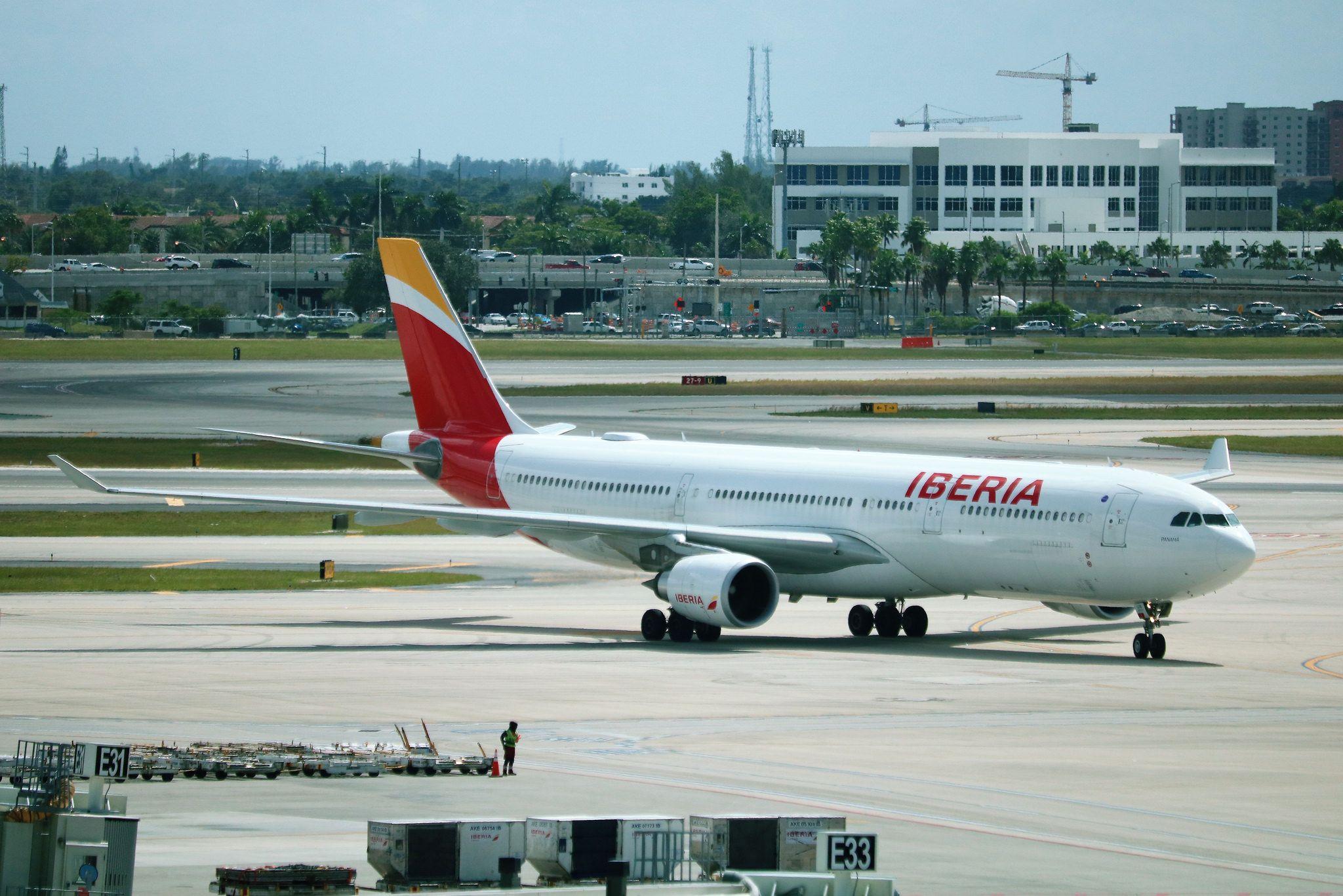 Iberia A330 Jet, Aircraft, Vehicles