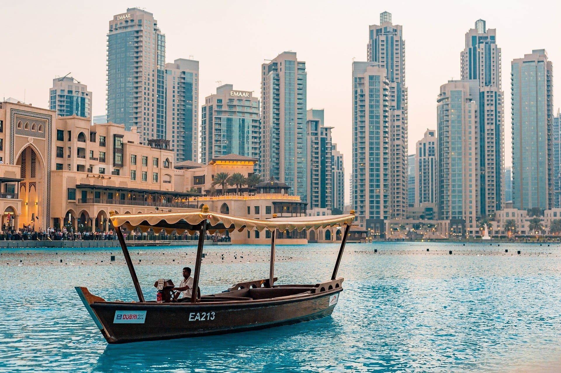 Things To Know Before Visiting Ireland 20 Important Ireland Travel Tips Best Tourist Destinations Dubai Tour Visit Dubai