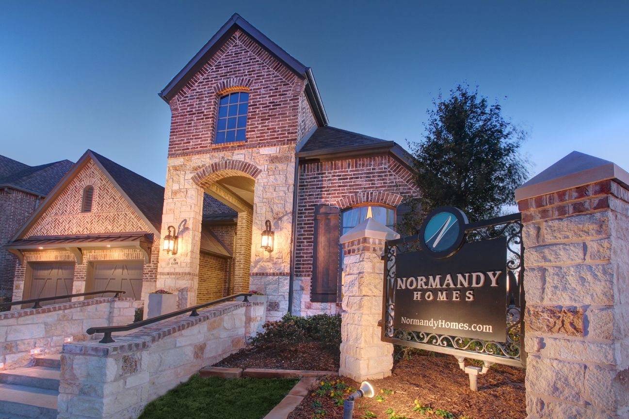 Lakeside DFW model home steps in Flower Mound, Texas New